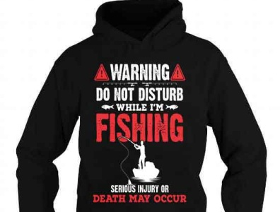 Do not disturb while i'm fishing t-shirt