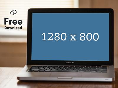 Macbook on table free mockup macbook apple psd freebie