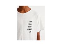 T-shirt cleat design