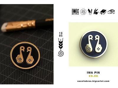 Iwa Pin crest mon kamon pin game enamel pin pin animal bird japan japanese marks symbol logo