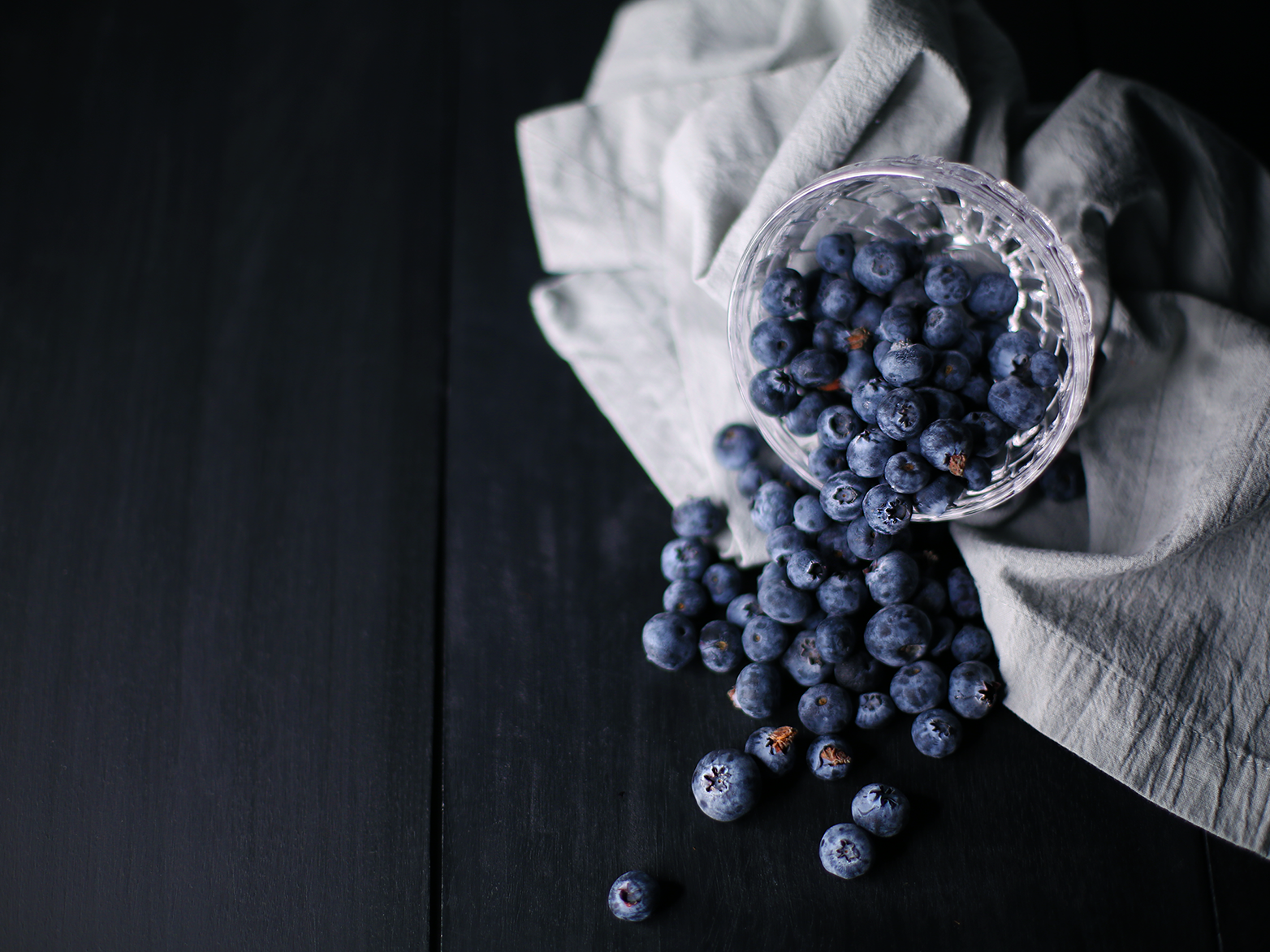 Blueberries food styling food photography food and drink food color canon 50mm f1.4 canon 5d mark iii adobe photoshop