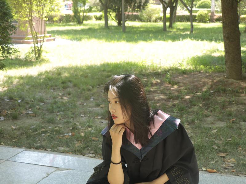 happy graduation photography school blandness sunshine girl university end photo