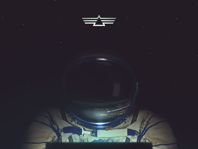 Space Games II design website ui code reflection helmet suit space cosmonauta astronaut