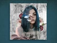 Chica de cabello azul