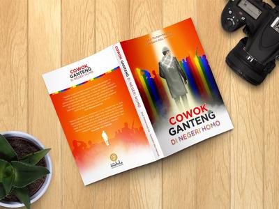 'COWOK GANTENG DI NEGERI HOMO' Book Cover