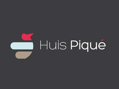Huis Piqué logo grey red blue brown identity