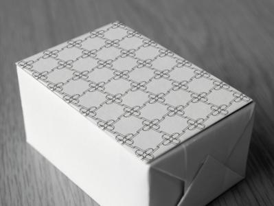 Decadente packaging stationery logo