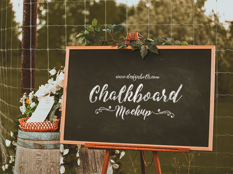 Free chalkboard mockup psd for lettering   typography 3