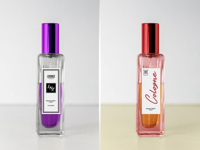Free Cologne / Perfume / Scent Spray Bottle Mockup PSD