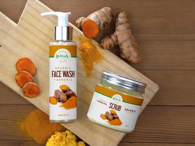 Free Natural Face Wash Pump Spray & Scrub Jar Mockup PSD