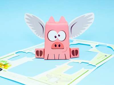 Flying Pig Action Figure paper craft flying pig pig lowpoly paper art action figure
