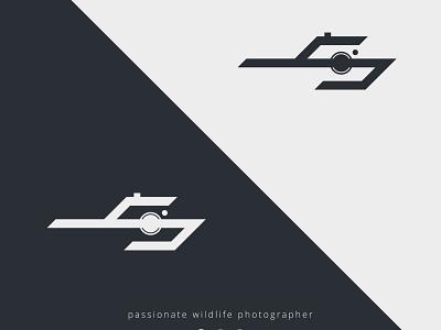 Logo Letter S Camera + spear icon minimal illustration design monogram spear letter s camera app vector logo