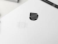 gg monogram logo