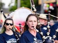 Dunedin pipe band shirts in action 2