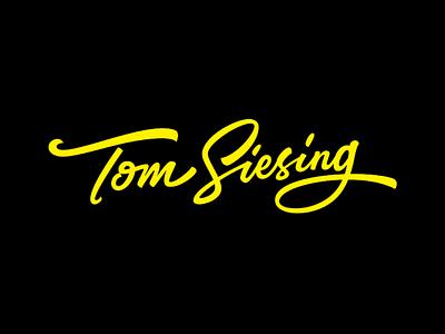 Tom Siesing uniquelogo logodesigner letteringartist lettering logo calligraphy signature logo signature brushlettering logo design logotype creative handlettering lettering vlog logo