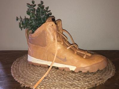 Nike clay flowerpot