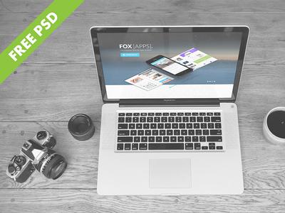Free PSD Macbook Mockup