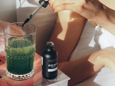 sakara detox water sakara life packaging design packaging