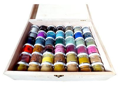 42 Pigments in a Box pigmentaire pâtes peintures pigments