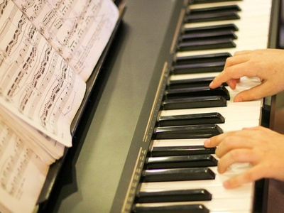 Find Music Classes in Dubai at your Near Location with Pursueit