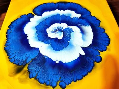 (278) Wild series #3 / Reverse flower dip with paper napkin / Bl