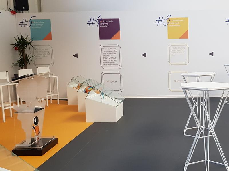 Comunication Zone Exhibition Area for BIC 3d event display showcase retail design wall art exhibition design