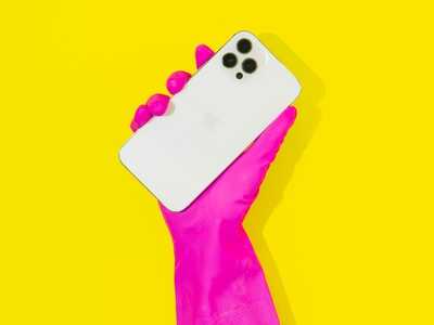iPhone 12 Pro Max Conceptual Photoshoot yellow colors vivid vibrant awesome creative pop art bright colors contemporary product product photography photo photography popart still life conceptual photoshoot iphone 12 pro iphone 12 pro max iphone