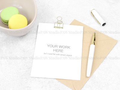 Mockup invitation card with pen and macarons text granite pencil plate envelope background wedding pen invitation card card mock up mock macarons marriage