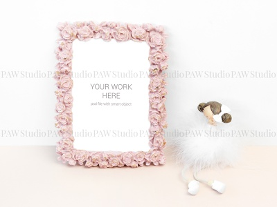 Mockup photo with statuette presentation invitation greeting templates design template invitation card marriage frame photo toy girl feathers statuette figurine postcard showcase mock card mock up