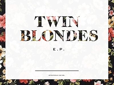 Twinblondes sm