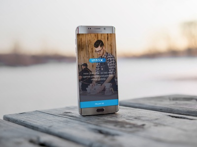 Android Phone on a wooden table  android phone free mockup mockup template mobile design psd