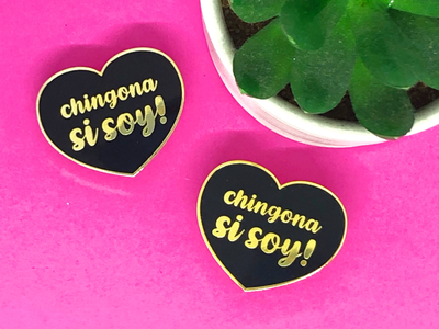 New Lapel Pin Chingona Si Soy! (I'm a Bad Ass)