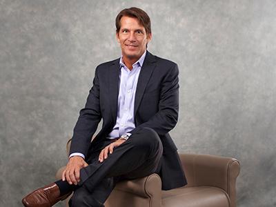 Corporate Portrait  headshot blue grey sales portrait man