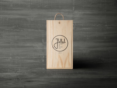 Juli Côtes du Rhône AOC juli juli wine vinho wine brand wine packaging wine beverage packaging branding industriahed package design packaging