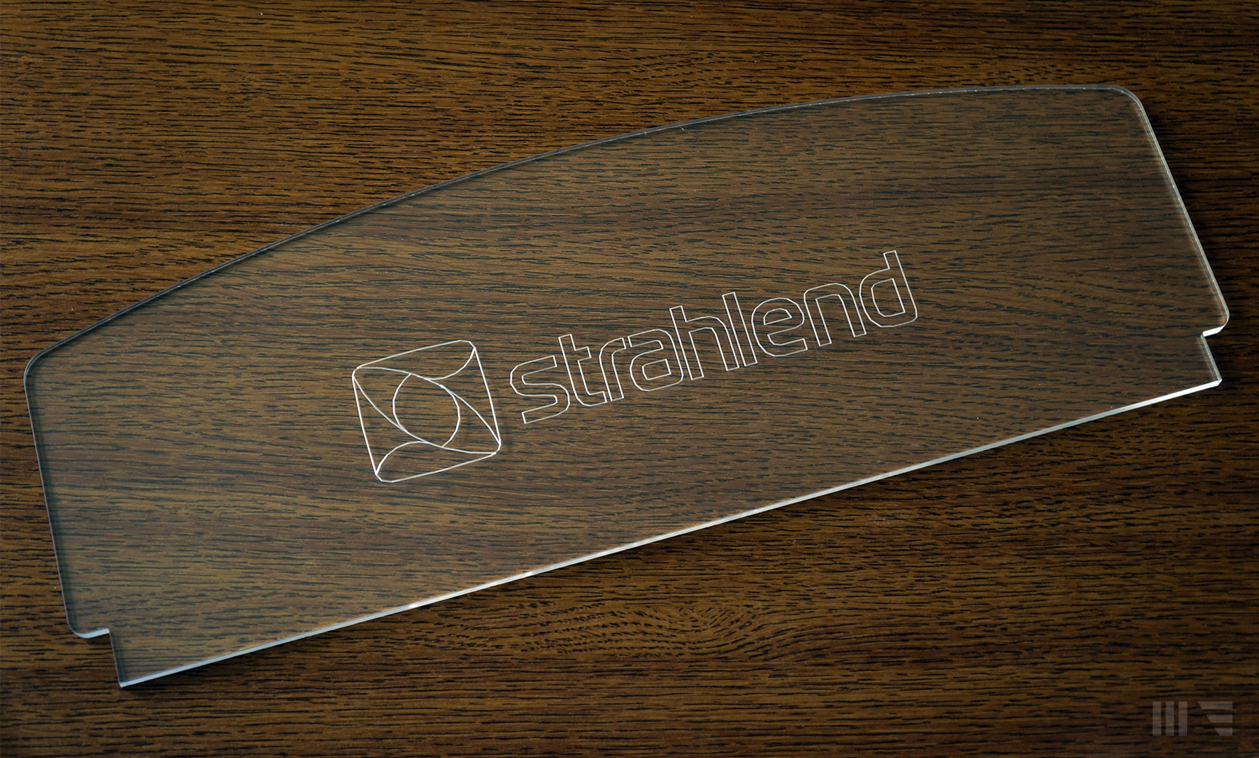 Strahlend logo acrylic glass large