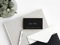 Freebie: Minimalist Business Card Mockups Set
