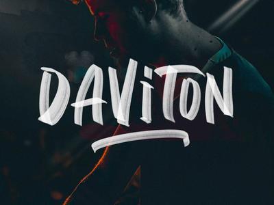 Daviton SVG Freestyle Font