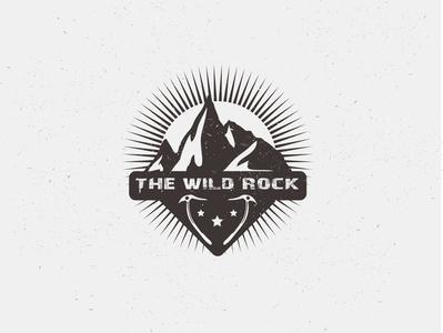 Mountain logo minimalist logo