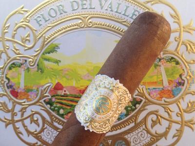 Flordelvalle-Band&Illustration packaging illustration luxury jcdesevre design cigars gold embossed typography band