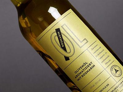 Studio Una: branding Viscvle restaurant branding packagingdesign logo oil packaging design typography brand design