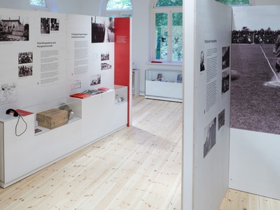 Studio Una: exhibition design – PinnebergMuseum exhibition design typography design concept art museum exhibition education