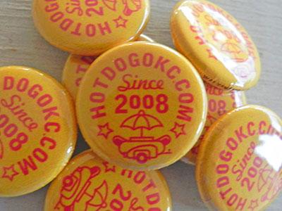 Hotdog buttons