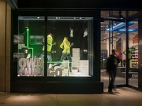 Nike Chicago Marathon store display