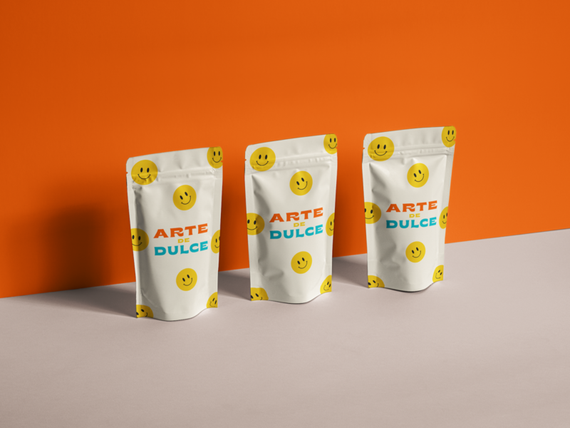Arte de Dulce pouch bag candies brand logo smiley packaging package branding