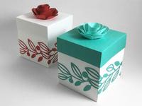 Inset flower gift box