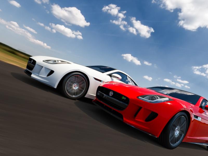 The Race rendering 3d 3ds max car render automotive visualization automotive jaguar race cgi