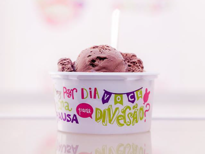 Inventiva Ice Cream Parlor icecream package lettering