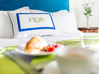 FLOR - Rooms in Florence | Branding garden botanical florence nature natural hotel branding design brand identity boutique bed and breakfast