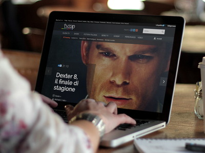 Editor's Pick website webdesign homepage home big photo large photo photo slider transparency