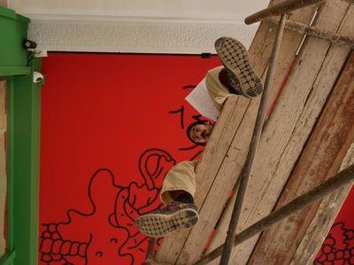 BALDO PASTA sdeviano flex interior spaggeti red black brush painting wall ceiling mural backstage doodle